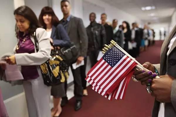 想移民美国?先算算点数够不够